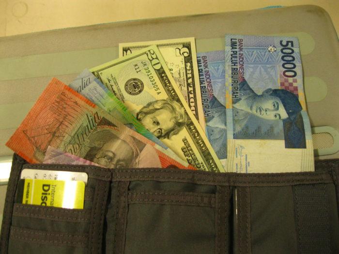 Reisekreditkarte und Währungen