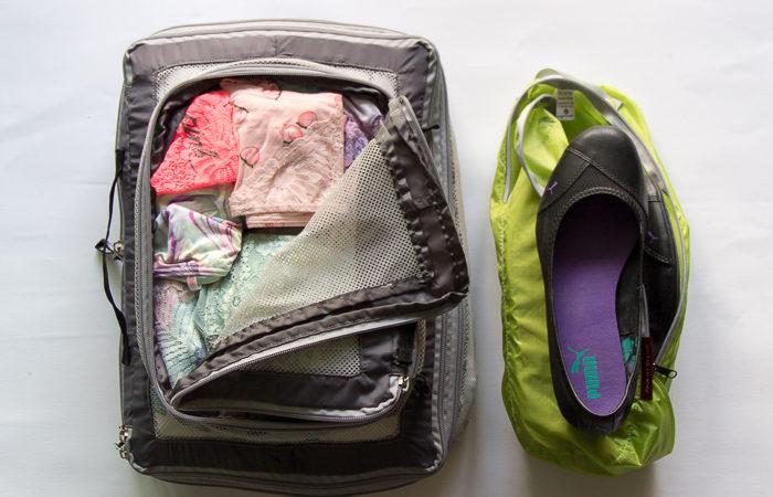 Koffer richtig packen mit Unterwäsche