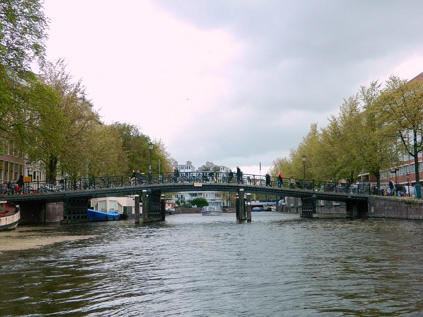 Trotzdem nach Amsterdam reisen: Amsterdam bei Regen - Tipp: Kanaltour