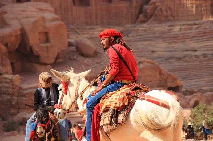 Petra Jordanien: Beduine im inneren der Felsenstadt