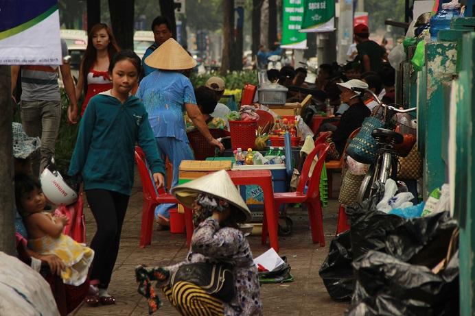 Vietnam Urlaub - Saigon Straßenstand