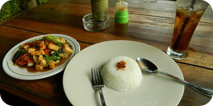 Alleine im Restaurant Artikelbild