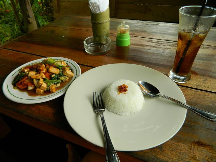 Alleine im Restaurant auf Bali