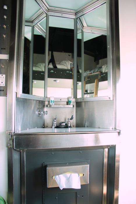 Via Rail Kanada - Zweier Kabine Waschbecken