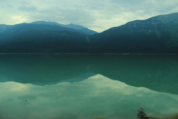 Mit dem Zug durch Kanada: Via Rail Kanada Berge und Gletscherwasser