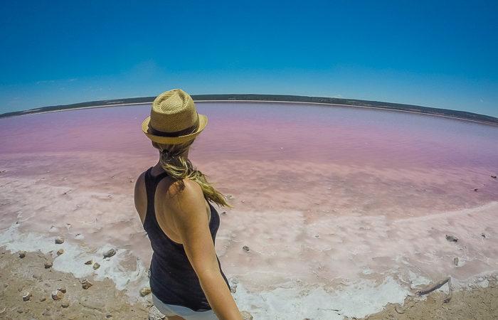 Als Frau alleine reisen – Pink Compass