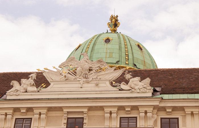 Pink_Compass-Artikelbild-Wien-Daecher