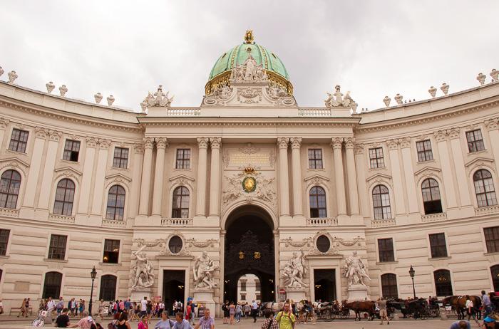 Pink_Compass-Artikelbild-Wien-Architektur