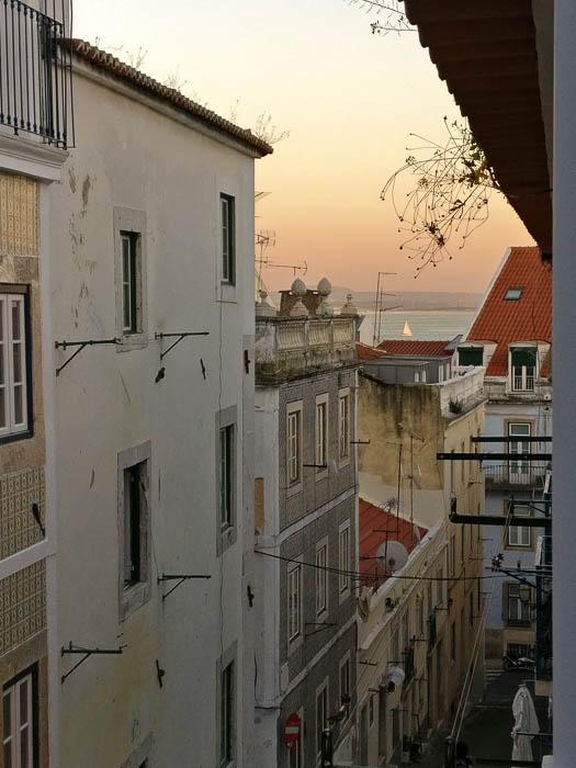 Pink-Compass-Artikelbild-Staedtereise-Lissabon-15