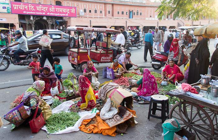 Frauen verkaufen Gemüse