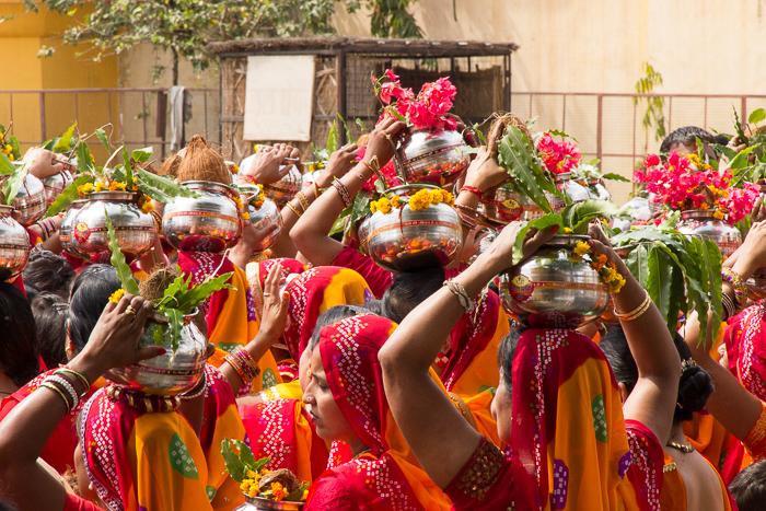 Zeremonie auf Indiens Straßen