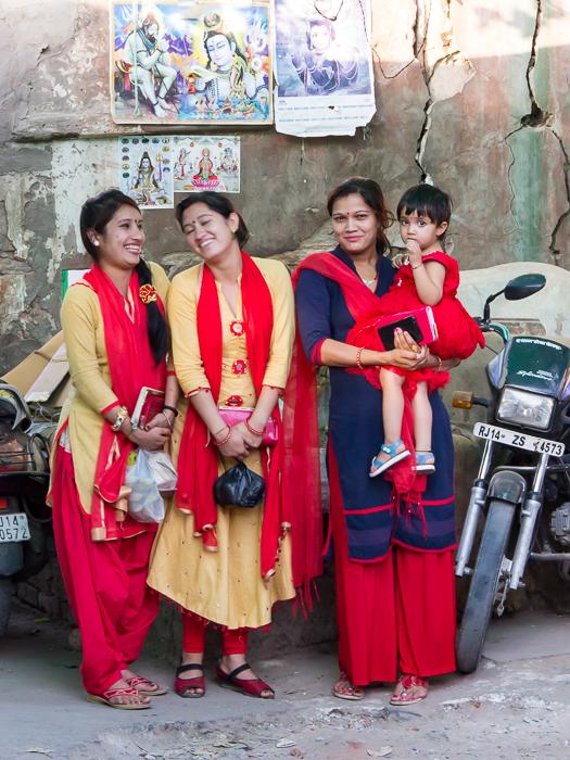 Frauen auf dem Markt in Jaipur