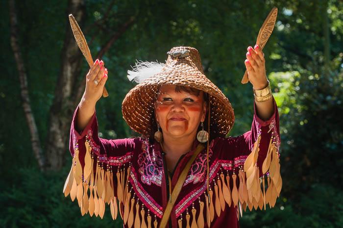 Vancouver Sehenswürdigkeiten Fotonomaden Ureinwohnerin
