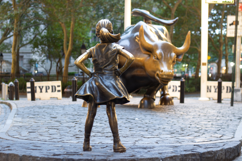 NYC-fuer-Feministinnen-Fearless-Girl
