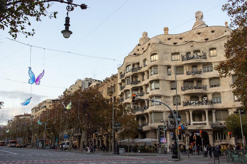 PinkCompass_Artikelbild_Barcelona_Kreuzung
